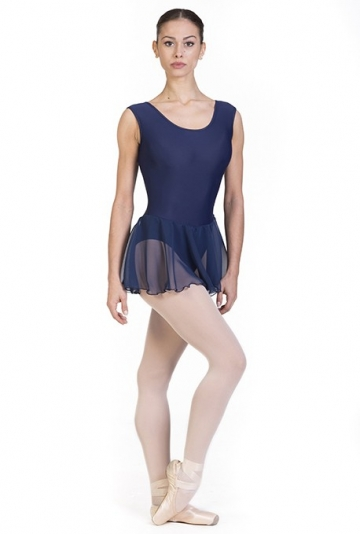 Danse des corps avec jupe en mousseline de soie semi-transparente